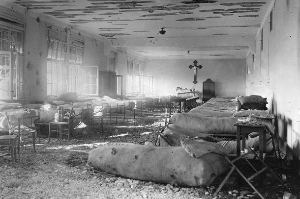Austria, 1914-1918. Hospital militar de campaña tras un ataque | Biblioteca Nacional de Austria, Viena