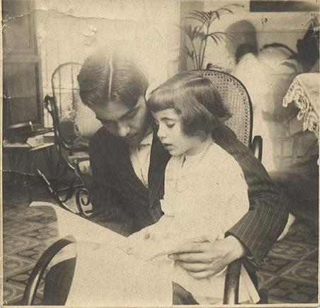 Federico García Lorca y su hermana Isabel. Granada, 1914