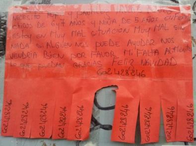 Cartel colgado en la calle | Foto vía @el_hacedor