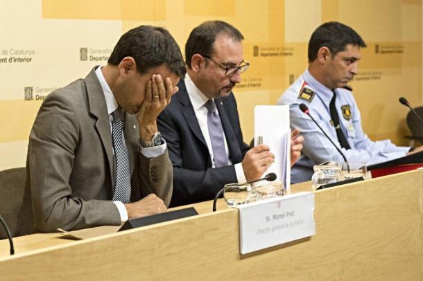 Rueda de prensa; Manel Prat, Ramon Espadaler, Josep Lluís Trapero | Foto de La Vanguardia