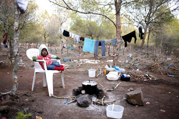 Kader en un campamento de inmigrantes, Bolingo, situado en Nador, cerca de la frontera de Melilla | Foto: Juan Medina (c) Reuters
