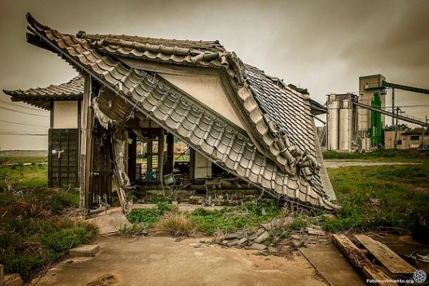 La costa sur de Minamisoma se encuentra a unos 20 km del Centro Nuclear de Fukushima Daiichi. Es una zona caótica, totalmente abandonada, con casas medio o totalmente destruidas. Mayo 2014 | Foto: Rieko Uekema