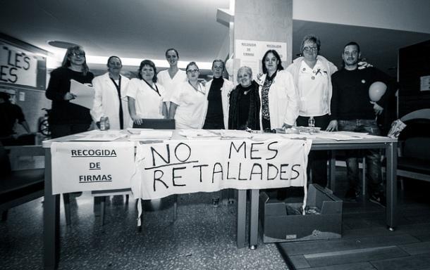 Personal sanitario en Hospital Moises Broggi, diciembre 2012 | Foto: David Amela