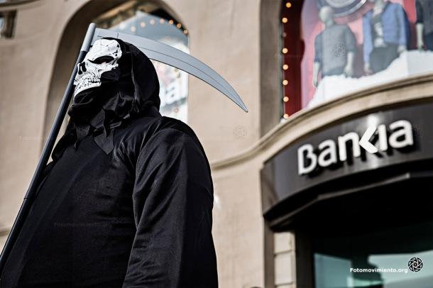 Entierro de los banqueros en Barcelona, 13 de diciembre de 2014 | Foto: Rober Astorgano para Fotomovimiento